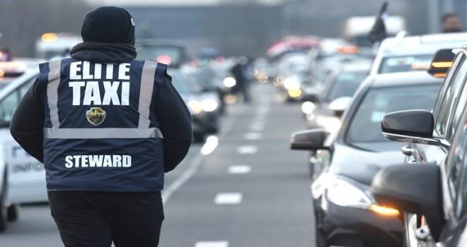 Uber'i protesto eden taksi şoförleri Brüksel trafiğini felç ettiler