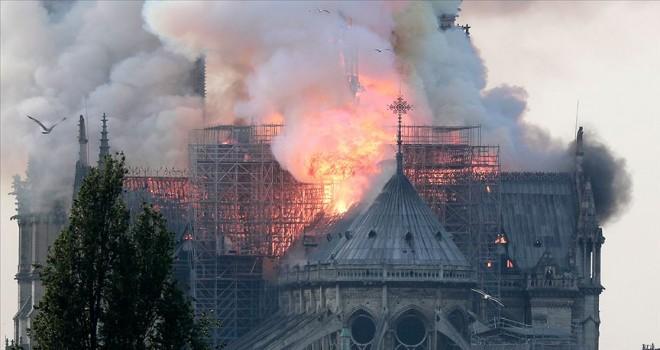 Notre Dame Katedrali'nin restore edilmesi için yaklaşık 1 milyar avro bağıș yapıldı