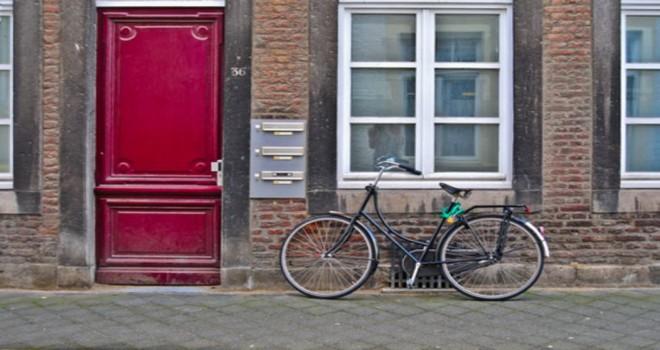 Her hafta 80 ila 250 arası Flaman aile, kirayı ödeyemediğinden evlerinden çıkartılıyor!