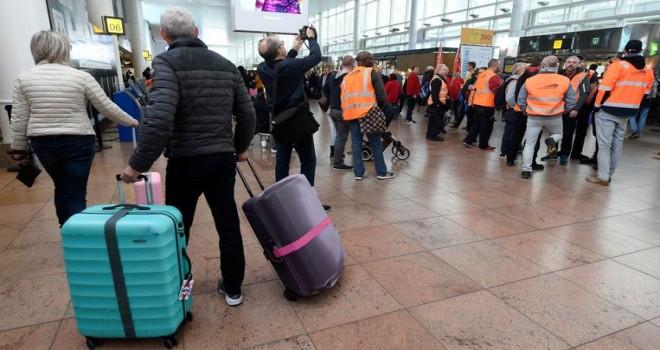 Belçika'da ulusal grev nedeniyle 122 uçuş iptal edildi