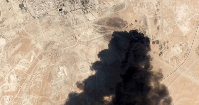 İran, ABD'nin Suudi Arabistan petrol rafinerisine saldırı suçlamalarını reddetti