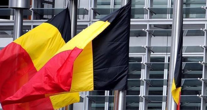 Belçika'da bir kişi üzerindeki bombayı patlattı