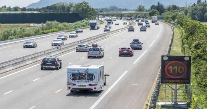 Arabayla seyahat edenlere:  Fransa, Almanya ve Avusturya'daki en çarpıcı trafik kuralları
