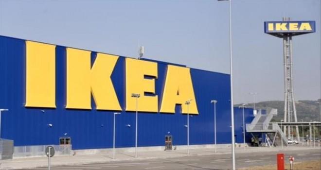 İsveçli mobilya devi IKEA'nın sahibi Ingvar Kamprad 91 yaşında hayatını kaybetti.