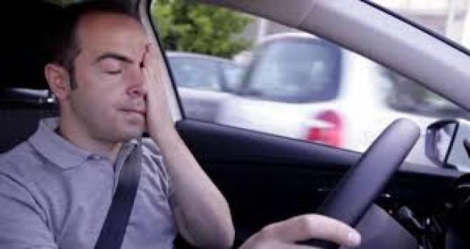 Uykulu araç kullanmak, alkollü araç kullanmak kadar tehlikeli