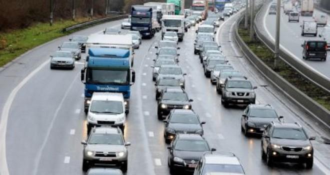 Leuven E40 karayolunda güvenlik şeridi ihlalcilerine 300'den fazla tutanak tutuldu