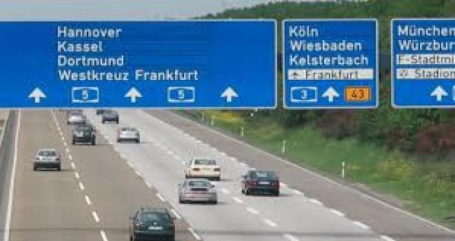 Almanya'da sürücülere vergi zammı ve hız limiti önerildi