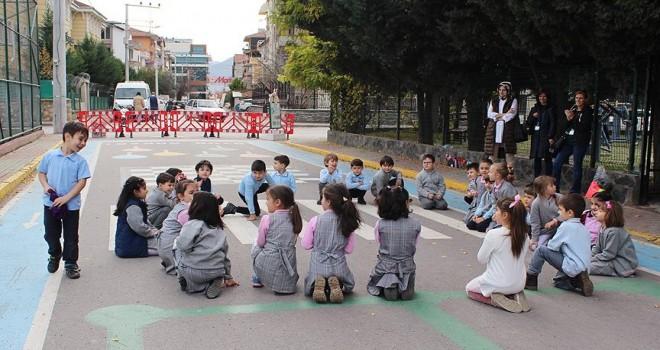 Geleneksel oyunlar 'Oyun Sokağı'nda yaşatılıyor
