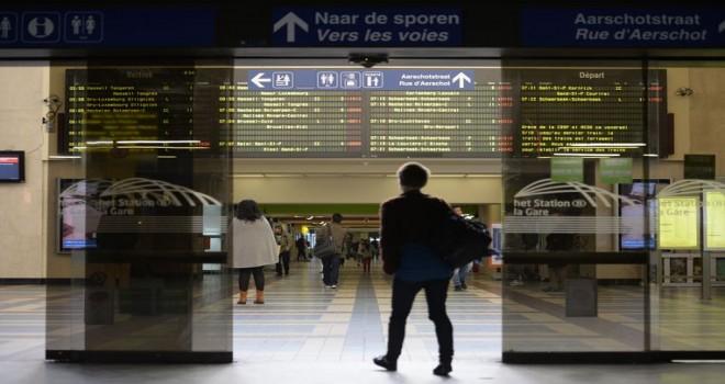 Brüksel'de transit göçmenlere yönelik polis operasyonunda on dört kişi tutuklandı