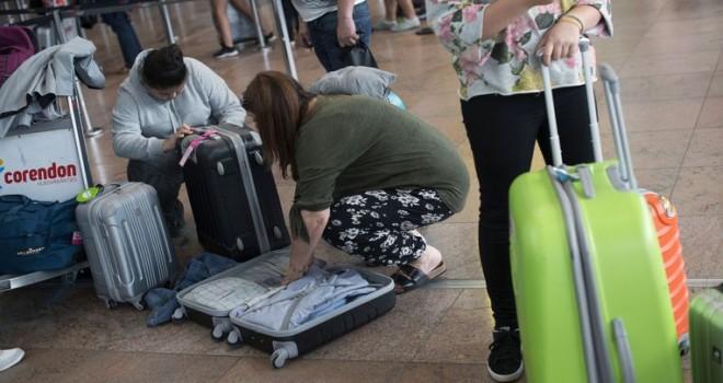 Brüksel Havalimanı'nda grev son bulsa da yolculara hala el bagajıyla seyahat etmeleri öneriliyor