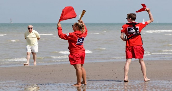 VDAB iş arayanları plaj kurtarıcısı olarak eğitmek istiyor