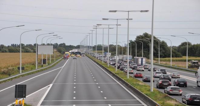 E40 karayolunda meydana gelen kazada 1 ölü ve 3 yaralı