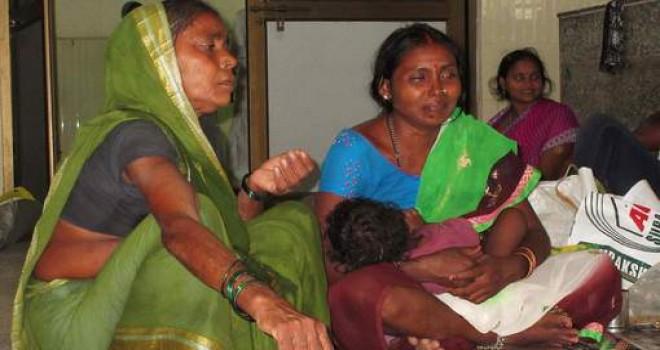 Hindistan'da beş günde 60 çocuk aynı hastanede oksijen eksikliğinden öldü