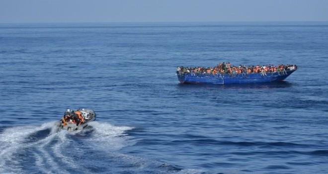 Akdeniz'de facia: En az 70 göçmen boğuldu