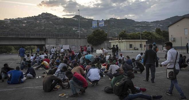 Aşırı sağcılar BM Göç Anlaşması'na karşı sosyal medyadan örgütlenmiş