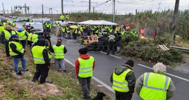 Fransa'da artan akaryakıt fiyatlarına karşı protestolarda bir kiși daha yașamını yitirdi