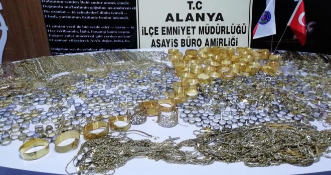 Vatan'a gidenlerin dikkatine: Sahte altın satmışlar