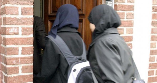 Belçika'nın Gent şehrinde başörtüsü yasağı kalkıyor
