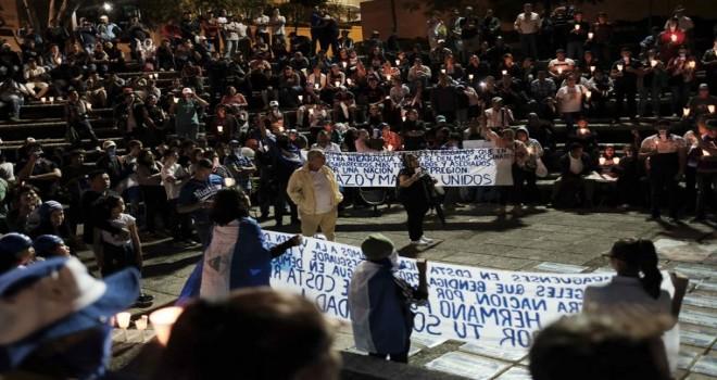 Nikaragua'da binlerce protestocu siyasi tutukluların serbest bırakılmasını istedi