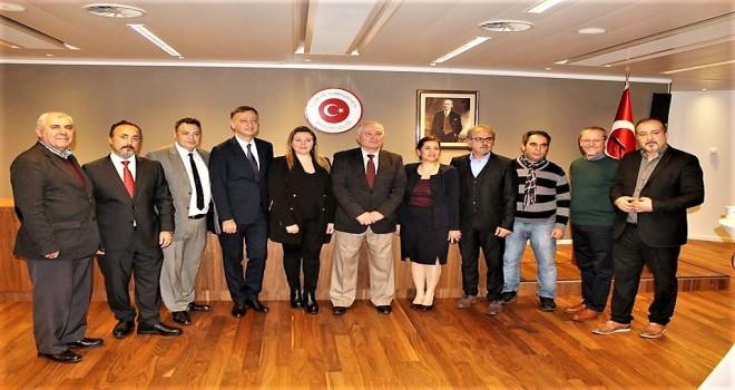 Büyükelçi Gümrükçü Belçika'daki Türk basın mensupları ile bir araya geldi