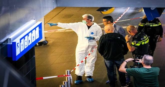 Amsterdam'ın Tren Garı'nda 2 turisti bıçaklayan terör zanlısı, Wilders ve Hollanda'daki İslam eleştirisini suçladı