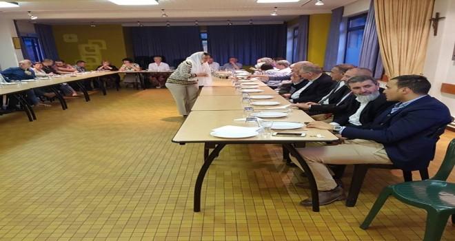 Lokeren'de CD&V partinin seçim listesinde yer alacak olan adaylar iftar yemeği verdi