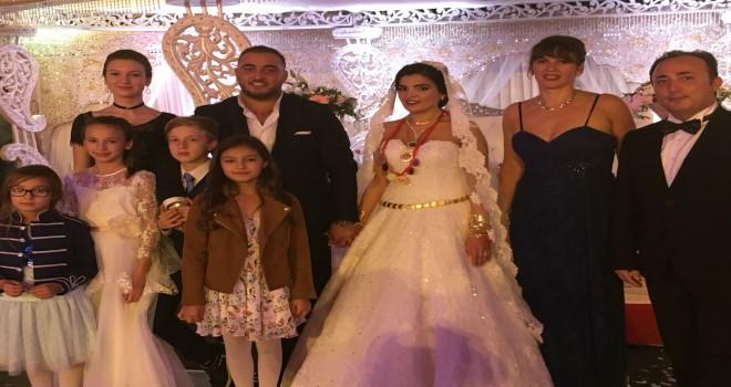 Brüksel'de Tolgahan ve Aylin çiftine görkemli düğün töreni