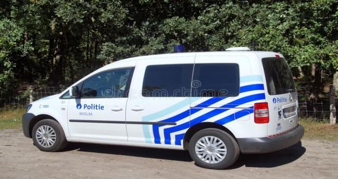 Polis eski eşinin peșini bırakmayan adamı çatıdan indirip tutukladı