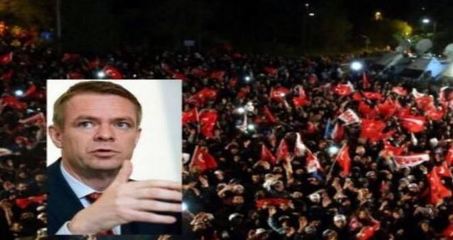 BELCIKA'DA 'EVETCI TURKLERIN ÇIFTE VATANDASLIGI KALDIRILSIN' ÇAGRISI