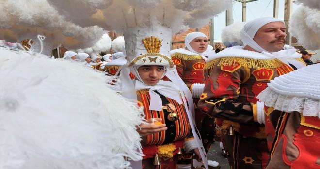 Belçika'nın dünyaca ünlü Binche Karnavalı bu yılda coşkulu geçti