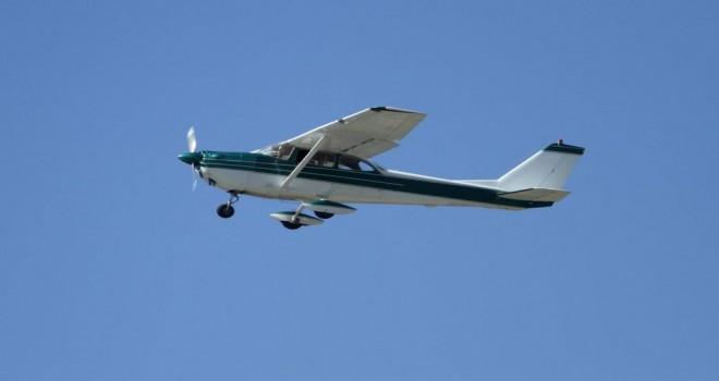 İçinde on kişinin bulunduğu uçak radardan kayboldu