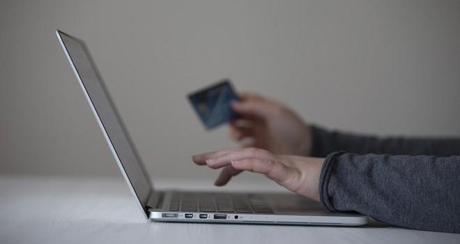 AB'de internet kullanıcılarının yüzde 68'i sanal alışveriş yapıyor
