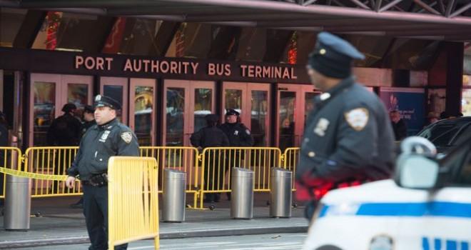 Manhattan'da bir otobüs terminalinde başarısız terör saldırısı girişimi