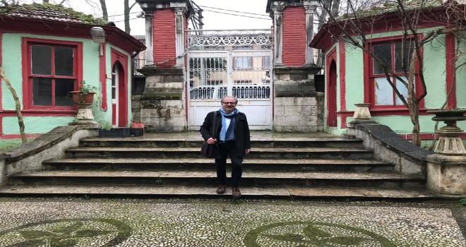 Yazar Fikret Aydemir mezun olduğu okulu Bursa Erkek Lisesi'ni ziyaret etti