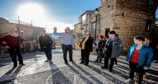 Belçikalılar Sicilya'ya akın ediyor: 'Ben bu evi 1 euro ya satın alıyorum. Hayır, ben senden önce davrandım!'
