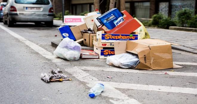 Belçika'da sokağa yasadışı çöp yığını bırakanlara keskin para cezaları geliyor