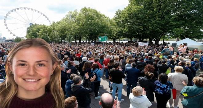 Anvers'te cinsel şiddete karşı düzenlenen sessiz yürüyüşe 15 bin kiși katıldı