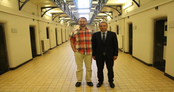 Milletvekili Yüksel Gent Cezaevi'ni ziyaret etti