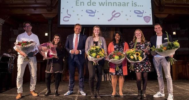 Rotterdam'da Türk kökenli Özan 'yılın ilkokul öğretmeni' seçildi