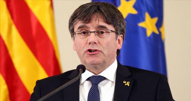 Polise teslim olan eski Katalan lider Puigdemont serbest bırakıldı