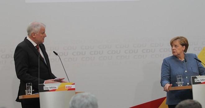 Almanya'da hükümet kurma çalışmaları uzuyor