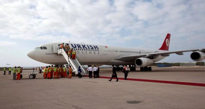 İstanbul'dan Brüksel'e uçmakta olan Türk Hava Yollarına ait uçak Viyana'ya acil iniş yaptı