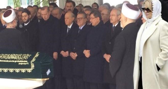 Eski başbakan Mesut Yılmaz'ın oğlu son yolculuğuna uğurlandı