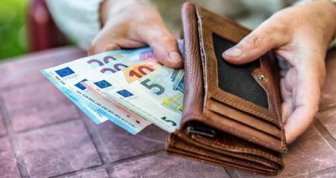1 Eylül'de Belçika'da neler değişiyor: ödenekler artarken, sigorta poliçeleri pahalanıyor, 10 yıl ikametten sonra yaşlılara gelir garantisi