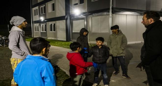 Ocak ayından bu yana Almanya'daki mülteciler 700'den fazla saldırıya uğradı