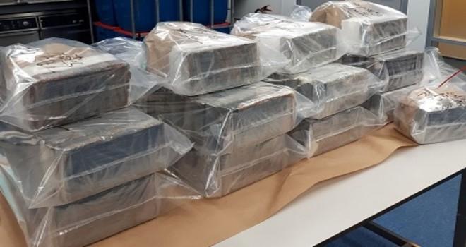 Breda'da 300 kilo kokain ve iki kalaşnikof ele geçirildi