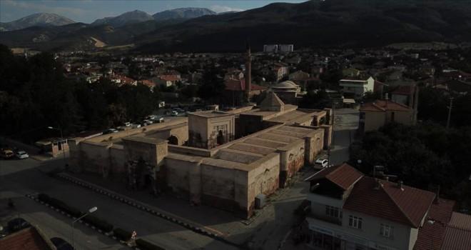 Afyonkarahisar'ın en büyük kervansarayı: İshaklı