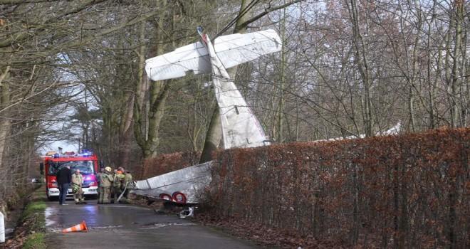 Hasselt'te spor uçağı düştü. Uçak'ta bulunan iki kişi öldü