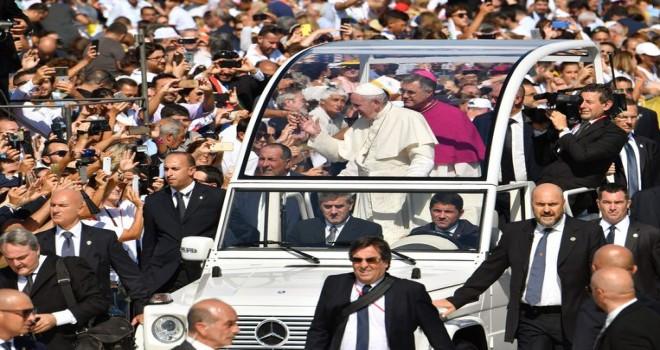 Papa'dan mafya'ya çağrı: Suç ve yaygın şiddet eylemlerinden vazgeçin