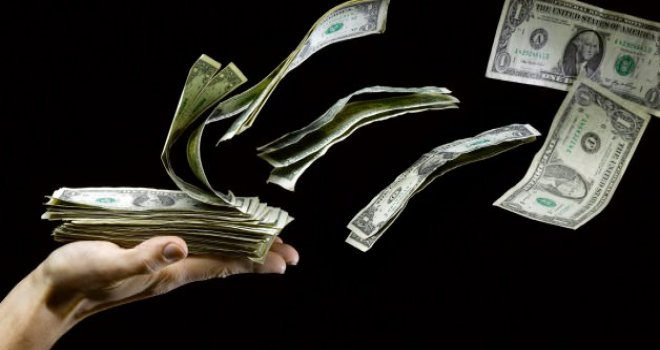 O hamle TL'yi uçurdu, dolar eriyor